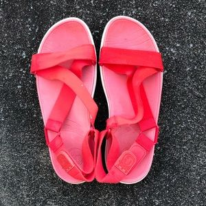 FitFlop Red Velcro Sandals Size 10